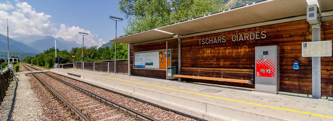 Bahnhof Tschars